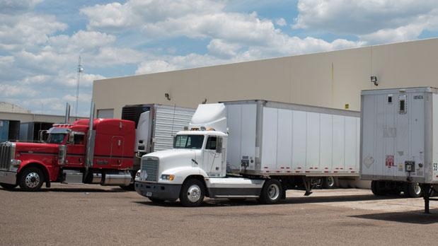 Patio de camiones de carga